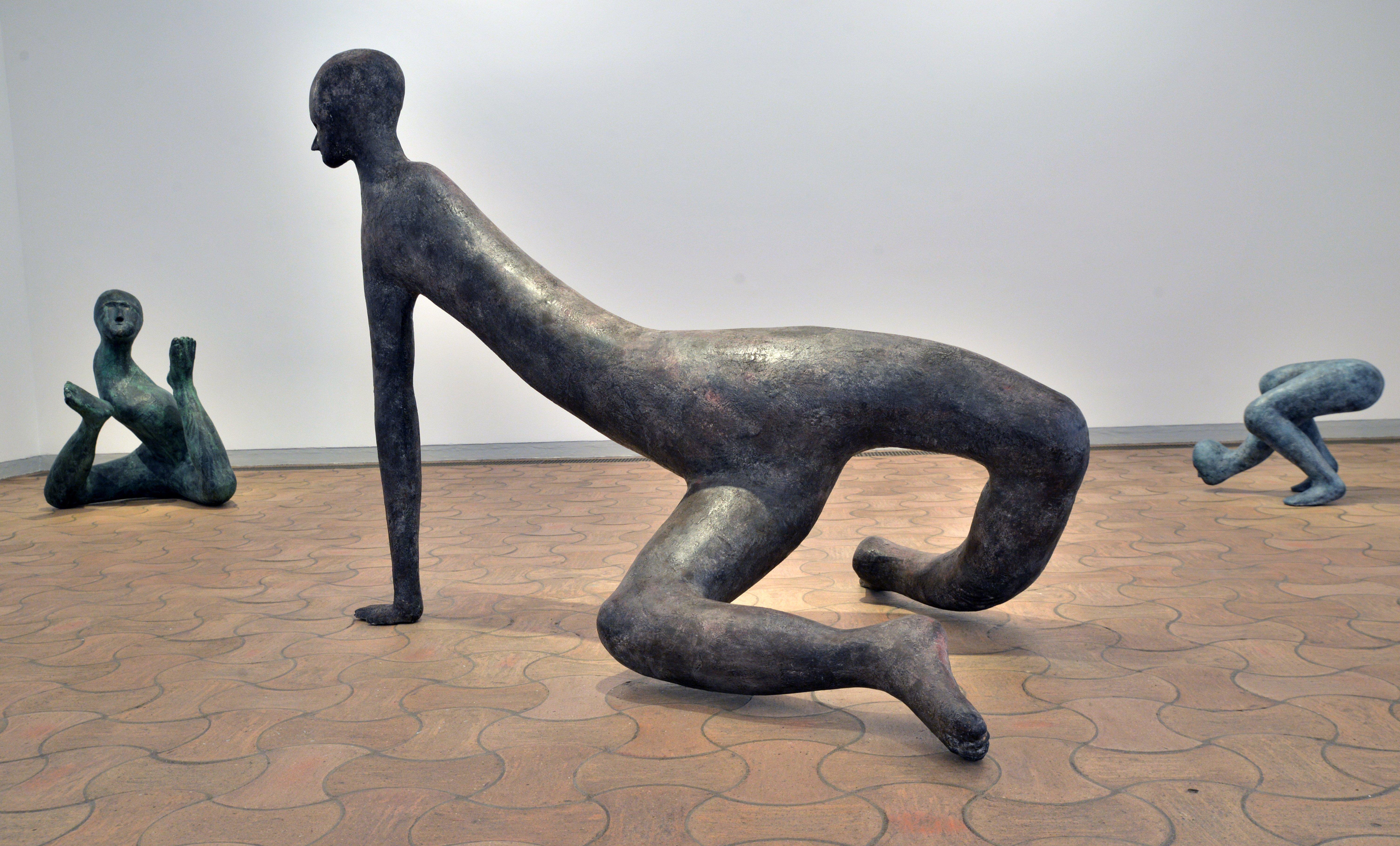 Vues De L'exposition « 3 Hommes Dans Un Bateau » Richard Deacon, Sui Jianguo, Henk Visch à La Fondation Maeght