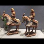 cavaliers de la garde de l'Empereur mingdi dynastie Qi(5e siècle) © Galerie Michel Douris